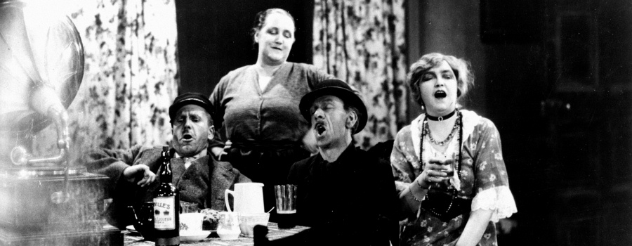 "Edward Chapman, Marie O'Neill, Sidney Morgan and Sara Allgood in ""Juno and the Paycock"""